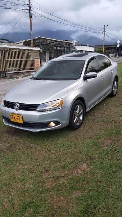 Volkswagen Nuevo Jetta 2011 - 92000 km