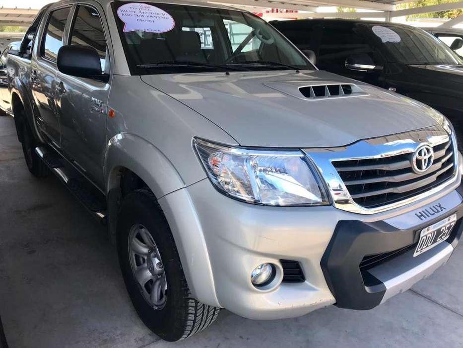 Toyota Hilux 2014 - 93846 km