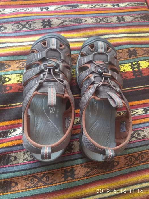 Sandalias Keen Cnx Clearwater Hombre