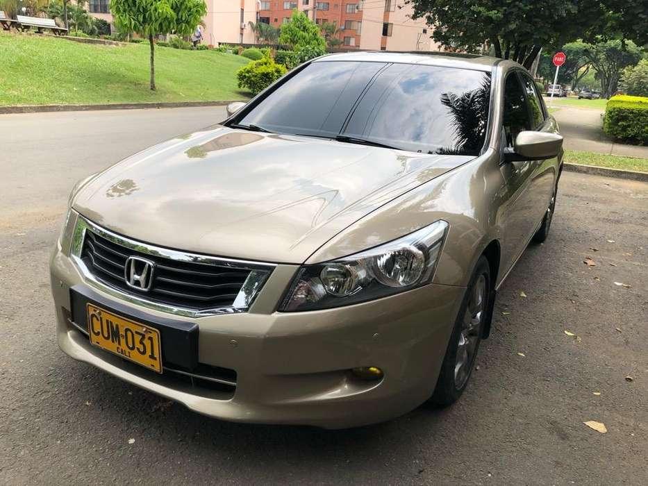 Honda Accord 2008 - 99000 km
