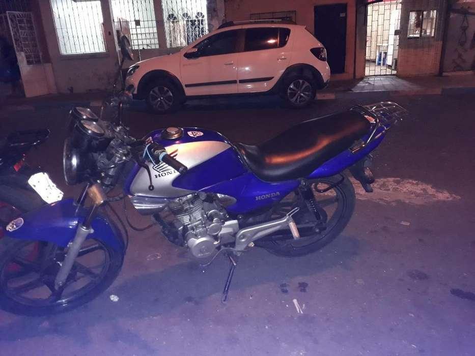 Vendo Moto <strong>honda</strong> Al Dia Papeles en Regla