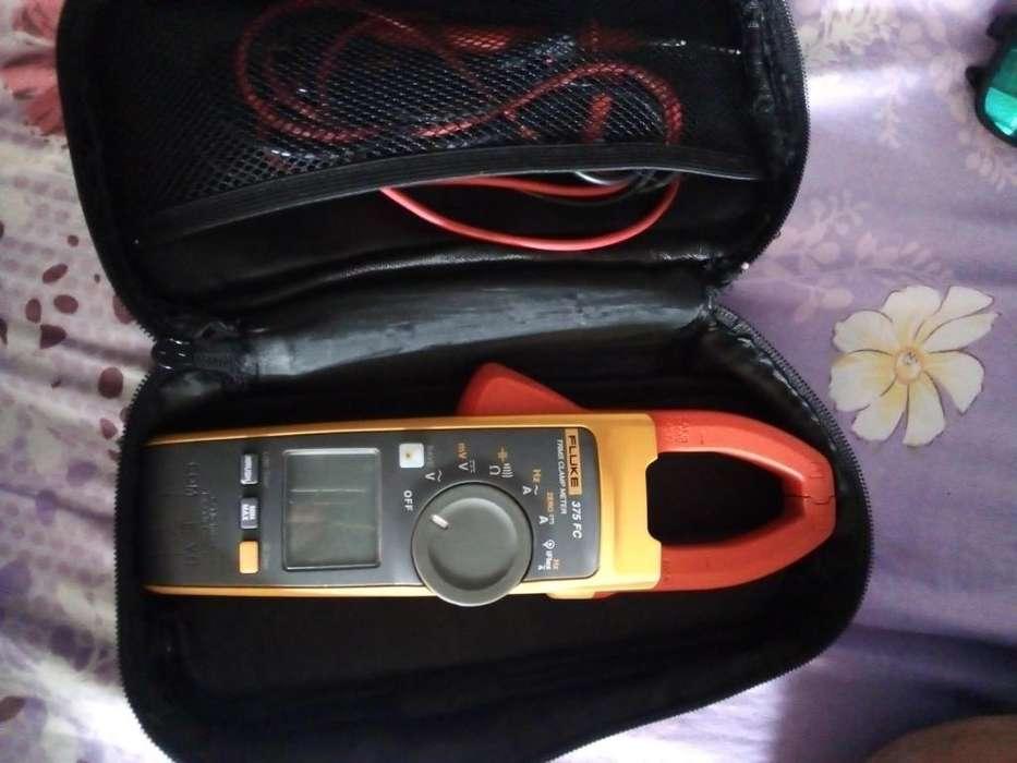 Multmetro o anperimetro Fluke 375 fc