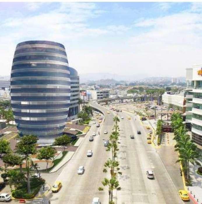 Oficina en venta <strong>edificio</strong> 100 Business Plaza, Ciudad del Sol, frente al Mall del Sol