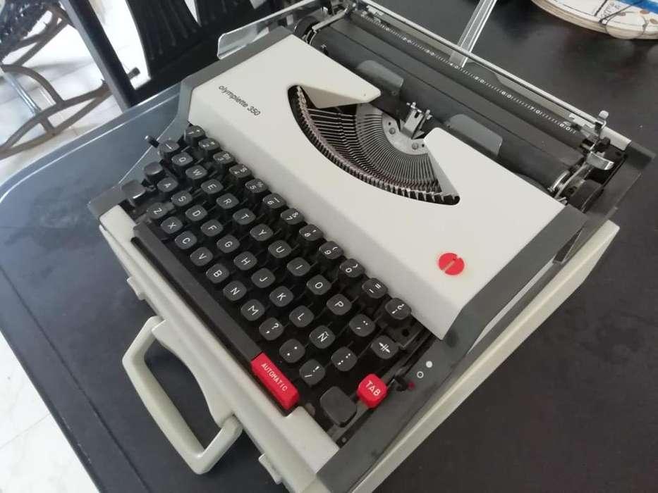 Se Vende Maquina de Escribir Reliquia