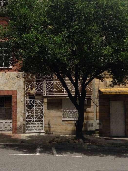 Habitación amoblada en Prado Centro 330.000