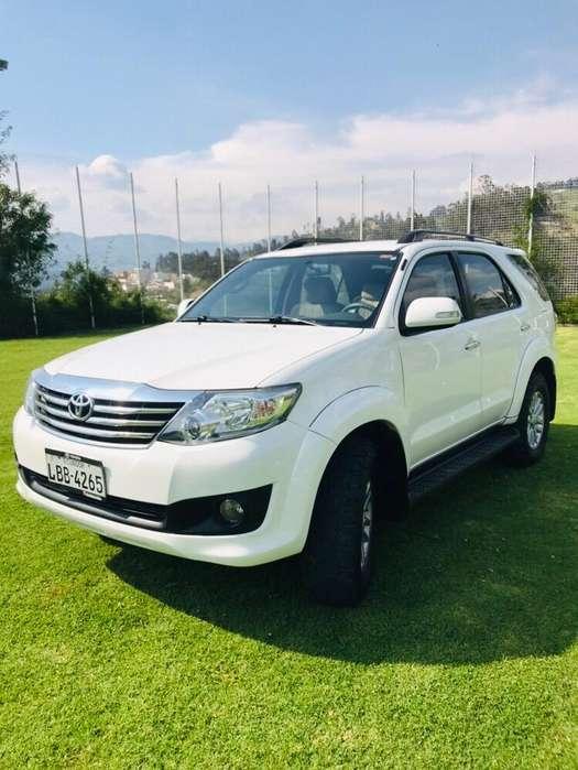 Toyota Fortuner 2013 - 110000 km