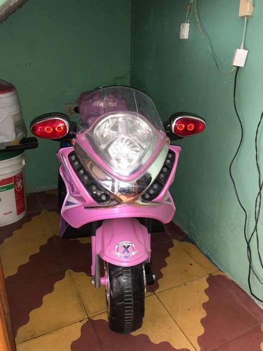 Vendo Moto Electrica para Niña