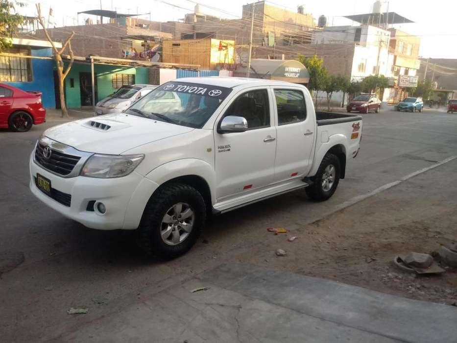 Toyota Hilux 2014 - 125000 km