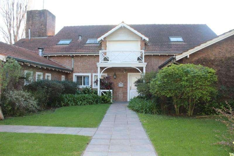 Casa en Venta Bagnati al 100, en la zona mas linda de la Horqueta, San Isidro.