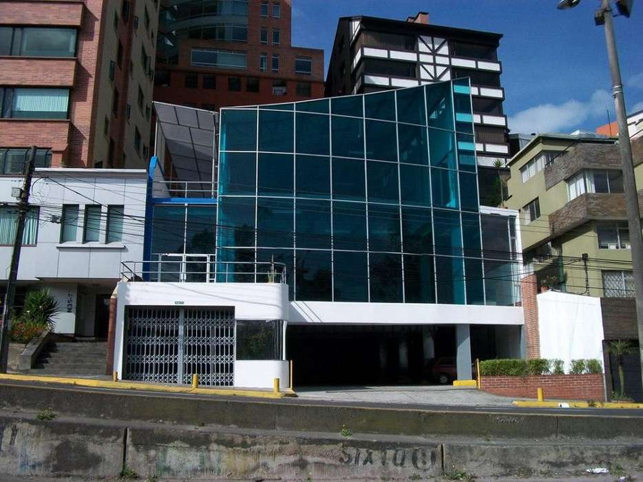 Renta edificio La Coruña Gonzalez Suarez Banco Pichincha