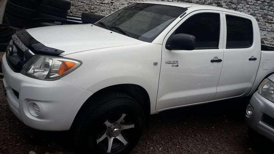 Toyota Hilux 2010 - 130000 km