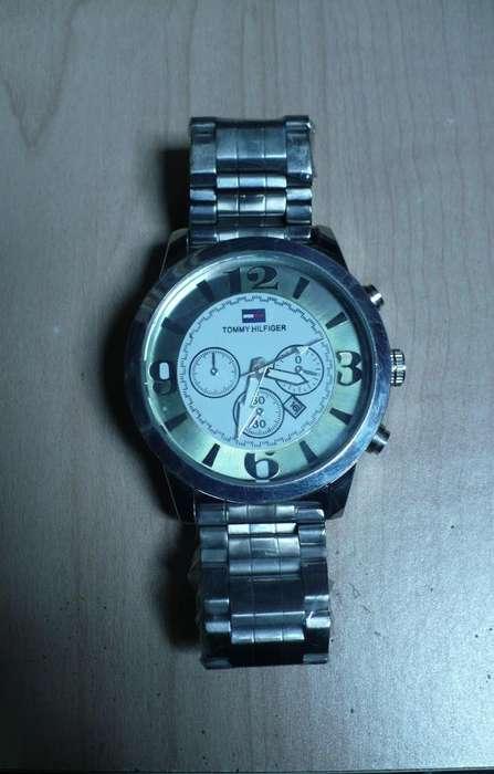Vendo reloj marca Tommy Hilfiger nuevo.