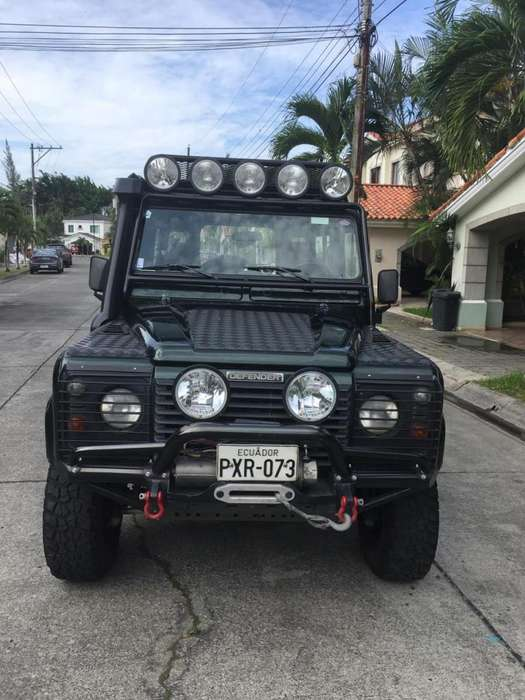 Land <strong>rover</strong> Defender 2001 - 233071 km