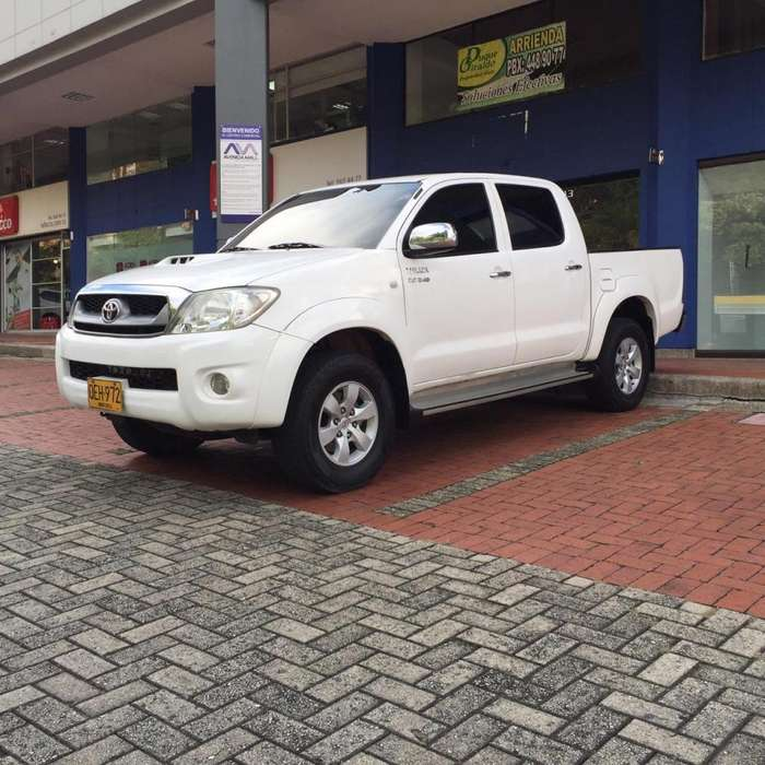 Toyota Hilux 2009 - 150000 km