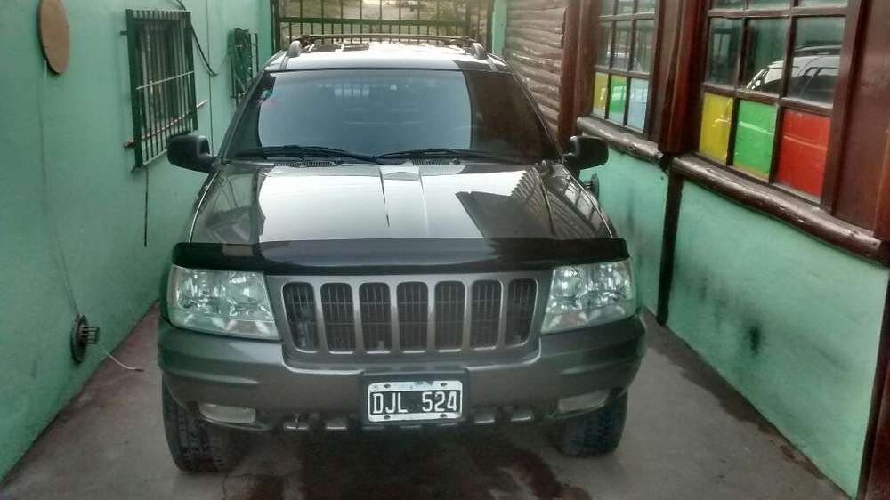 JEEP GRAND CHEROKEE 2000 - 250000 km
