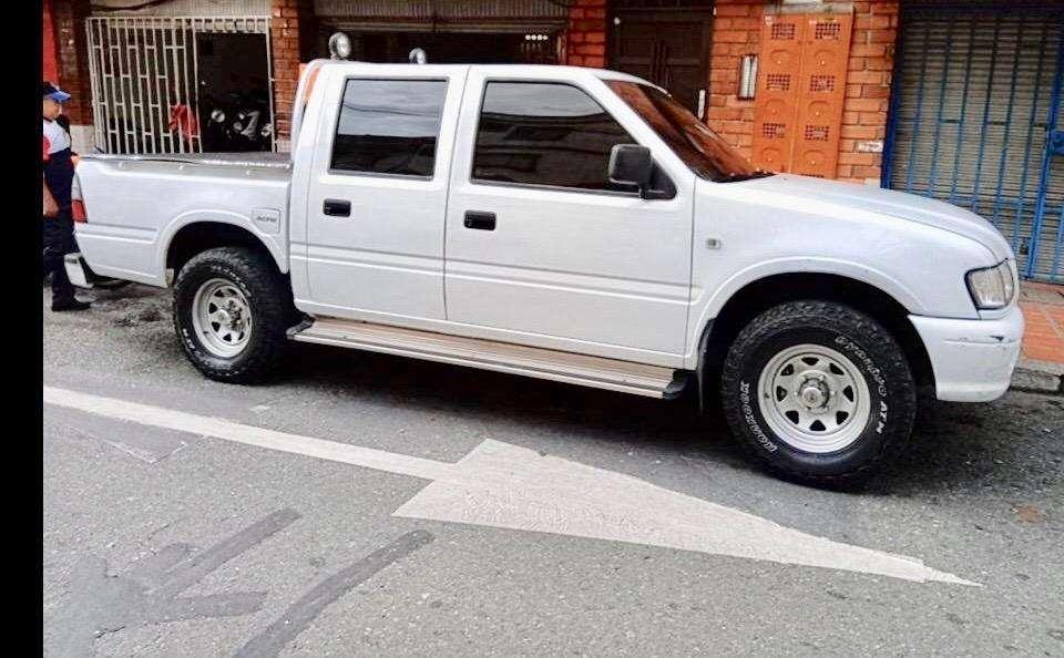 Chevrolet Luv 2003 - 400000 km