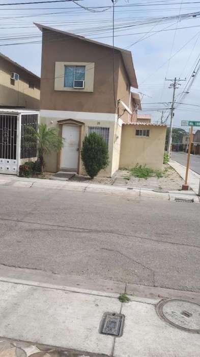 Urb. Ciudad Santiago Vendo Casa