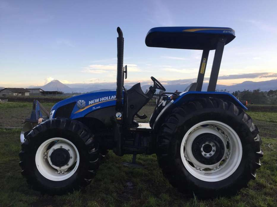 Vendo tractor New holland TL95 2016