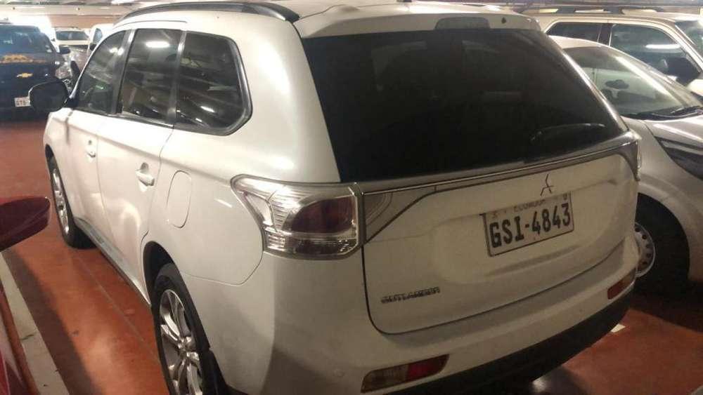 Mitsubishi Outlander 2014 - 160000 km