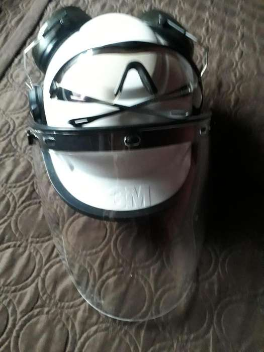 Casco, pantalla facial, protector auditivo, lente