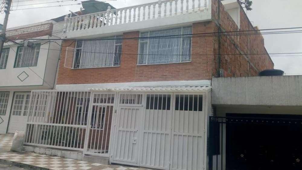 VENDO CASA EN FUSA, RENTANDO CON 3 <strong>apartamento</strong>S INDEPENDIENTES