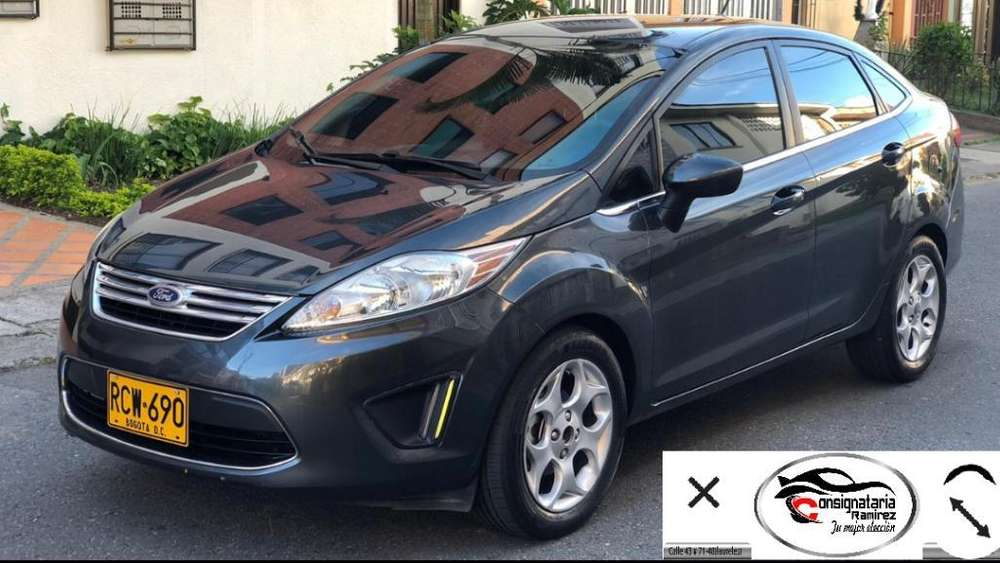 Ford Fiesta  2011 - 74000 km