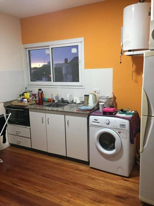 Departamento 1 dormitorio, excelente ubicación, H Yrigoyen al 1100