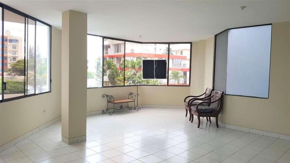 Departamento en alquiler en Manta sector Umiña