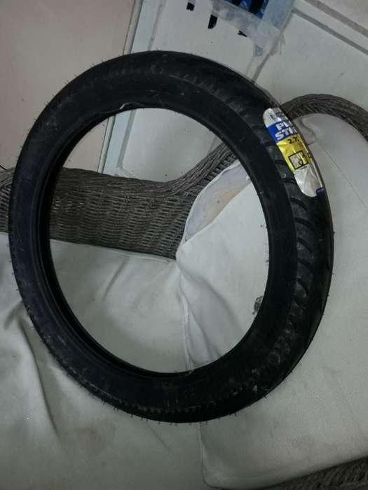 Cubierta de Moto Michelin