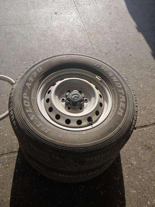Vendo Aros con Llantas Mazda Bt50