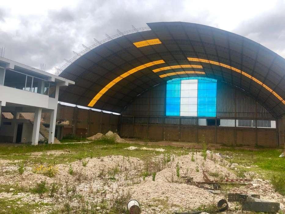 SOLÍS ALQUILA LOCAL TECHADO DE 2.500 m²