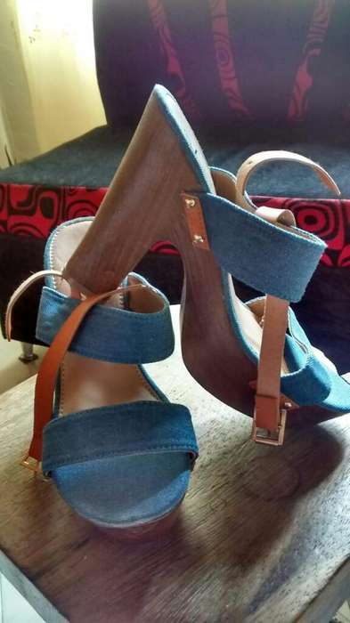 Tacones Azules Americanos Talla 39 Nuevo