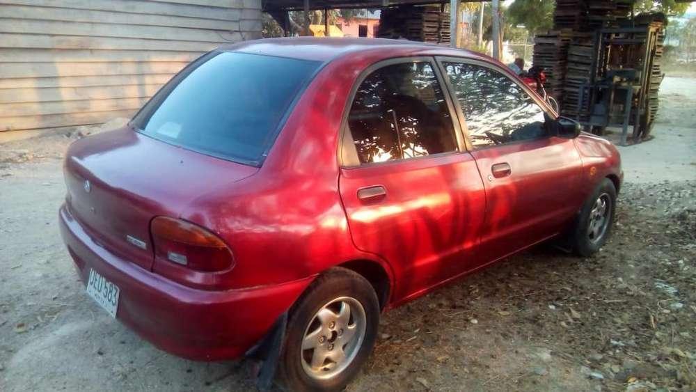 Mazda 121 1999 - 1600 km