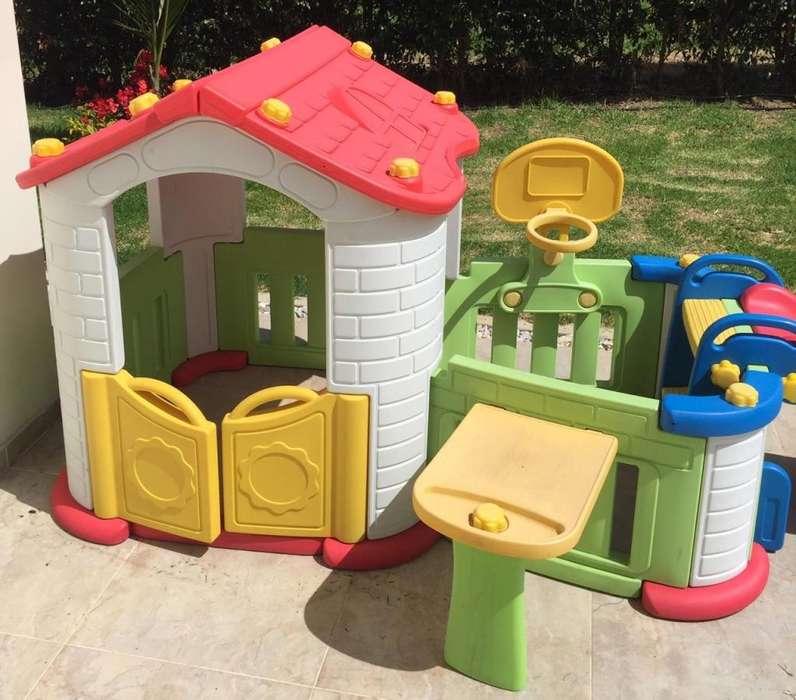 Parque infantil en perfecto estado
