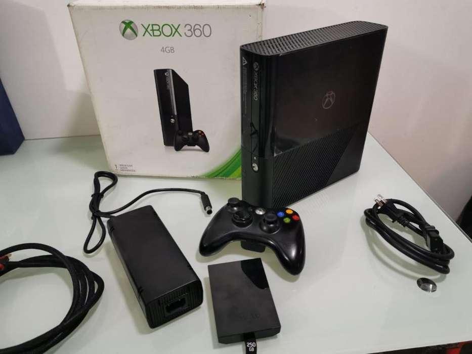 Vendo Xbox 360 Super Slim Disco Duro 250