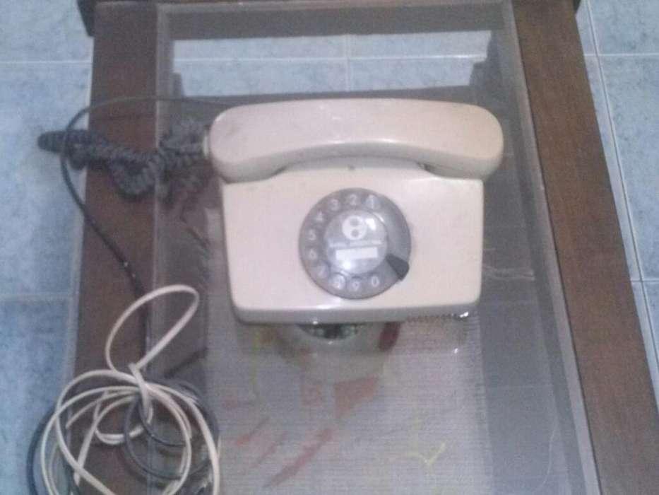 Teléfono de entel de la década del 80