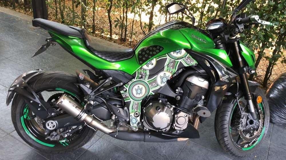 Moto <strong>kawasaki</strong> Z1000