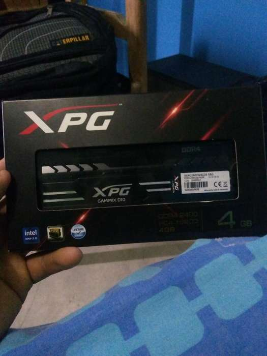 Dos Memorias Ddr 4 Fury Y Xpg Gammix D10