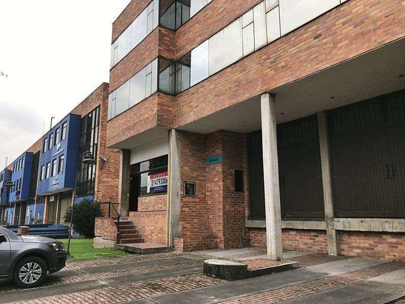 Bodega En Arriendo/venta En Bogota Fontibon Cod. VBPRE65294