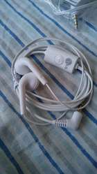 Auriculares LG Bass tipo