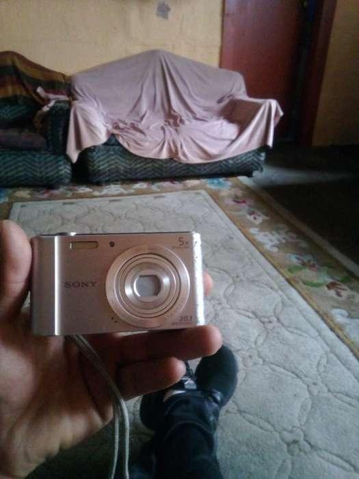 Vendo Camara Sony en 40dolares0980035900