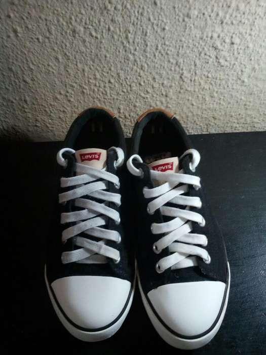 Vendo Zapatillas Levi's Originales