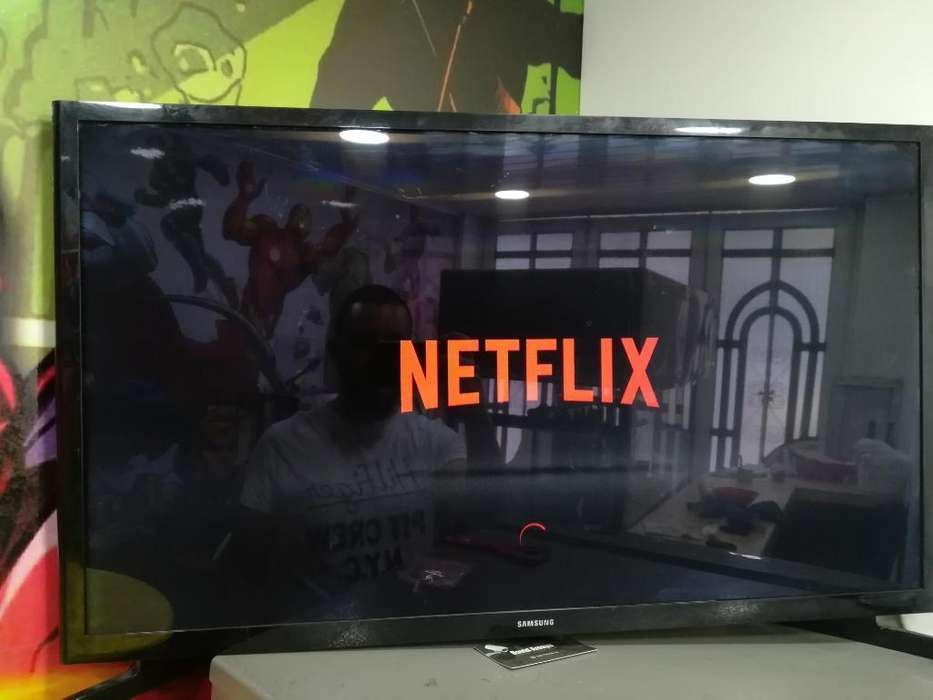 Televisor Smart Tv Samsung de 32 Pulg