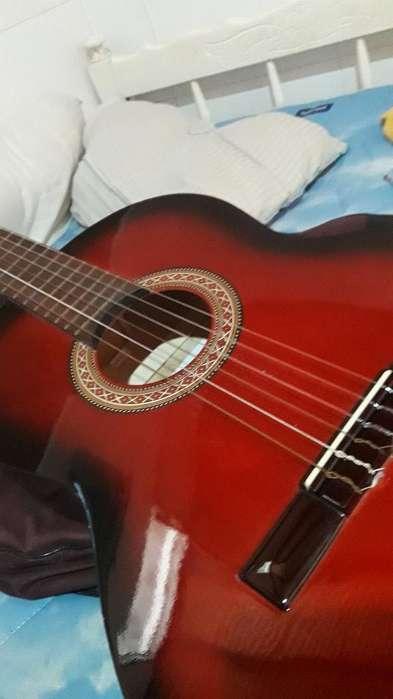 Guitarra Gracia M2.