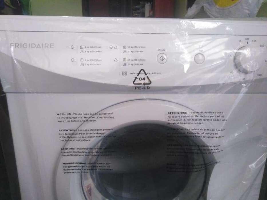 Secadora de ropas Dryer Frigidaire Modelo FDEB06M2MMW