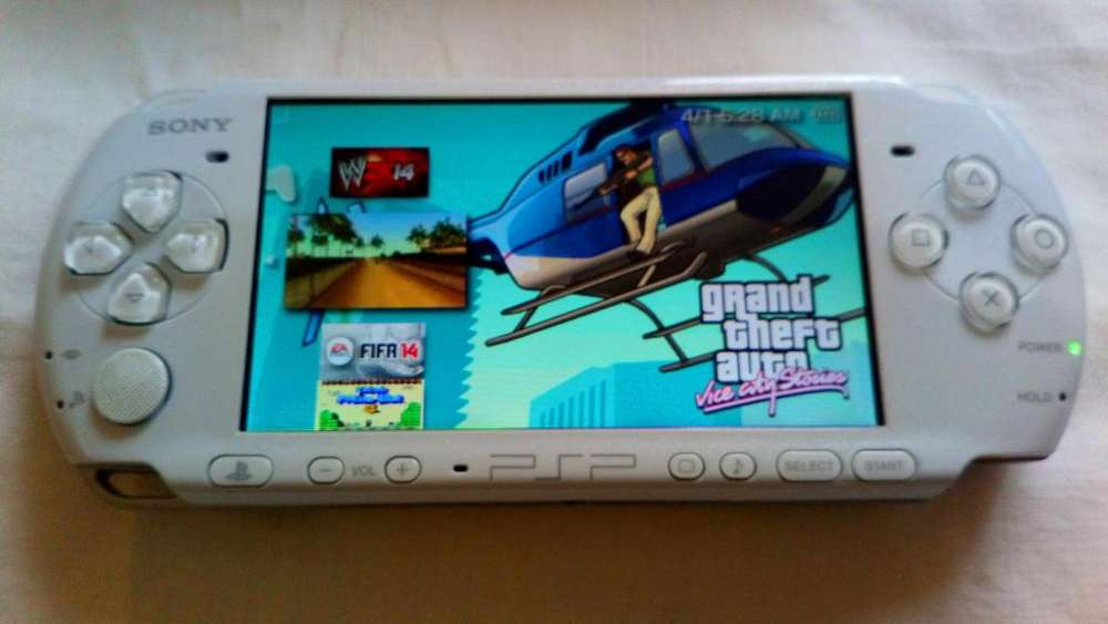 PSP SLIM 3004 ORIGINAL DE SONY 16GB COLOR BLANCA