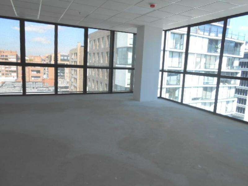Oficina En Venta En Bogota Chico Cod. VBREI-2482059