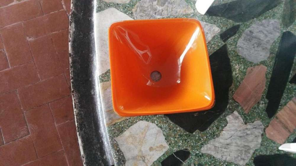 lavamanos en vidrio color