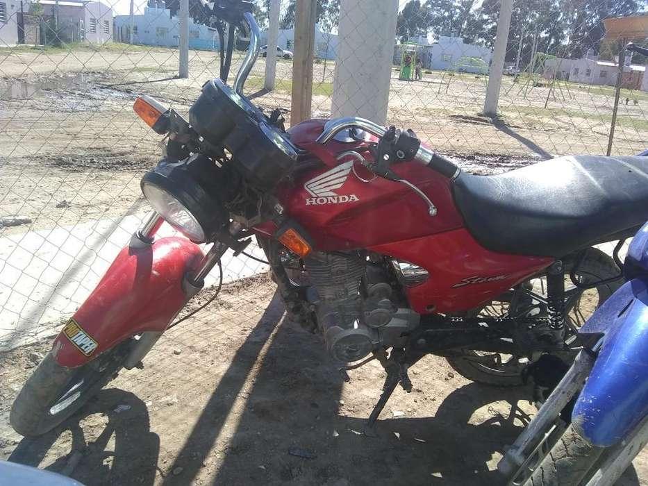 Vendo Moto <strong>honda</strong> Stom
