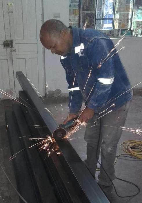 Busco trabajo de soldador armador